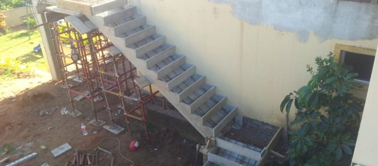 stairs2-monoblock-monoblock-construction-building-concrete-blocks-lintels-curbing-cladding-residential-commercial-kzn-paving Precast-Staircase-